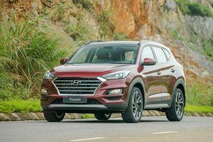 Hyundai Tucson giảm giá mạnh, tăng sức ép lên Mazda CX-5