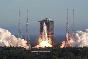 Trung Quốc: Tên lửa Trường Chinh 5B đã cất cánh, mang theo tàu vũ trụ không người lái
