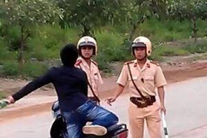 Khởi tố thanh niên dùng dao đâm cảnh sát ở Sóc Trăng