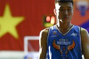 Lê Ngọc Tú trở lại Sài Gòn thông qua trao đổi giữa Hochiminh City Wings cùng Hanoi Buffaloes