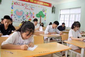 Giáo viên, học sinh phản ứng tích cực với đề tham khảo tốt nghiệp THPT