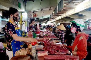 Yên tâm hơn khi mua sắm thực phẩm tại chợ