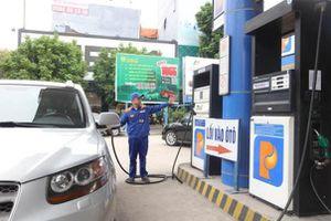 Giá xăng tăng sau 8 lần giảm liên tiếp