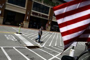 Người dân dè sẻn như những năm 80, kinh tế Mỹ khó phục hồi