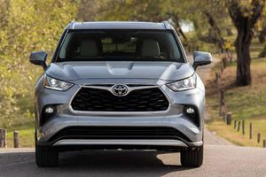 Toyota Highlander 2020 về Việt Nam, không dưới 4 tỷ đồng