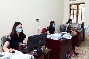 Yên Khánh: Kịp thời chi trả tiền hỗ trợ cho người dân gặp khó khăn do ảnh hưởng bởi dịch COVID-19