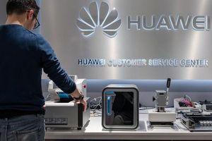 Mỹ tiếp tục 'giáng đòn' mới chống lại Huawei