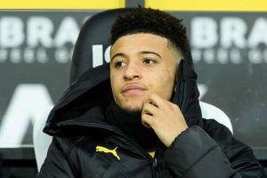 HLV Dortmund tiết lộ lý do Sancho phải ngồi ngoài trước Schalke