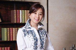 Kim Hee Ae nhiều lần mặc áo giống Son Ye Jin, Kim Da Mi trong phim
