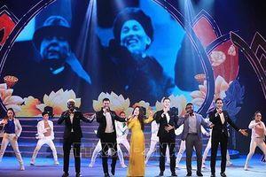 Xúc động chương trình 'Dâng Người tiếng hát mùa xuân'