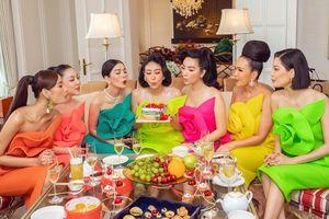 Tiệc sinh nhật hoành tráng trong căn phòng tổng thống của Hà Kiều Anh và dàn mỹ nhân