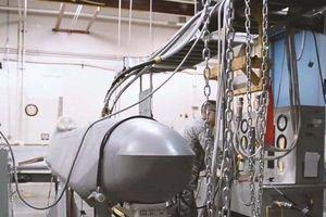 Chiêm ngưỡng sức mạnh tên lửa chống tàu tầm xa AGM-158C LRASM của Hải quân Mỹ