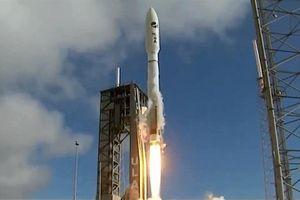 Mỹ phóng phi thuyền không gian X-37B bằng động cơ Nga