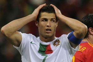 Nani nói gì sau pha bóng khiến Ronaldo mất bàn thắng?