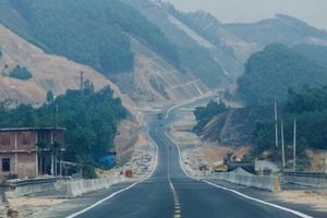 Cận cảnh cao tốc 12 nghìn tỷ đồng sắp thông xe