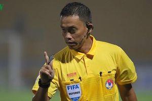 Trọng tài số 1 Việt Nam điều khiển trận Nam Định - HAGL
