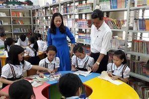 Chọn sách giáo khoa tại vùng khó: Liệu cơm gắp mắm