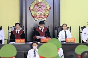 Cựu Giám đốc Sở vắng mặt trong phiên tòa xét xử vụ gian lận điểm thi ở Sơn La