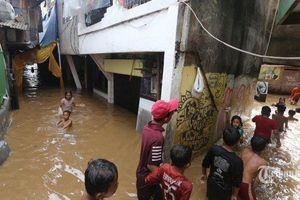 Indonesia làm đúng quy trình y tế Covid-19 khi sơ tán nạn nhân lũ lụt