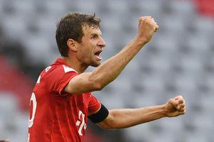 Bayern toát mồ hôi trong trận cầu có 7 bàn thắng