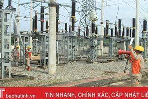Điện lực Hương Sơn phun nước rửa Trạm Biến áp 110KV