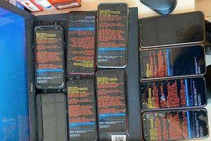 Người dùng than trời vì điện thoại Samsung bất ngờ bị lỗi đồng loạt