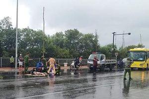 Hai xe máy tông nhau té xuống đường, 1 người bị xe tải cán tử vong