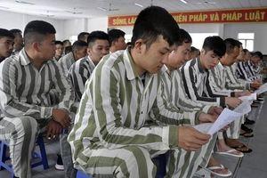 Phạm nhân được tư vấn tâm lý, thủ tục pháp lý trước khi ra tù