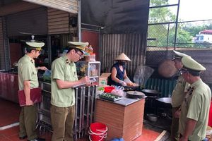 Lạng Sơn: Xử phạt 22 hộ kinh doanh vi phạm về vệ sinh an toàn thực phẩm