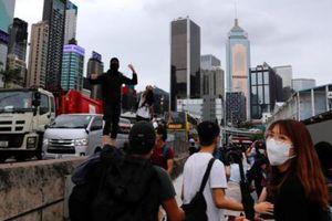 Hàng ngàn người biểu tình chống dự luật an ninh tại Hong Kong