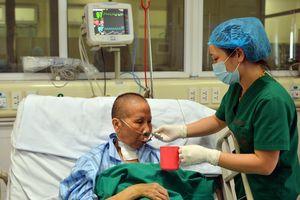 Bệnh nhân Covid-19 ba lần ngừng tim hồi phục ngoạn mục