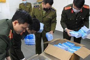 Hà Nội: Thu giữ hơn 1 triệu sản phẩm khẩu trang, nước rửa tay