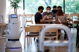 Quán cà phê ở Hàn Quốc sử dụng robot làm nhân viên pha chế