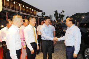 Thủ tướng Chính phủ Nguyễn Xuân Phúc cắt băng khánh thành hai công trình xây dựng lớn ở Quảng Ninh
