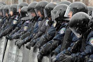 Sĩ quan cưỡng hiếp nhân chứng, toàn bộ một đơn vị cảnh sát tại Ukraine bị giải tán