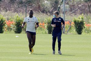 Balotelli bị sa thải vì xấc láo với chủ tịch CLB