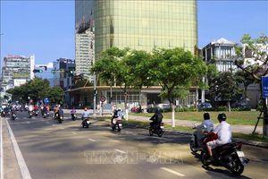 Xử phạt chủ đầu tư 2 tòa cao ốc lắp kính màu vàng gây chói mắt tại Đà Nẵng