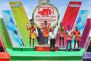 Cua-rơ Hồ Vũ bất ngờ giành chiến thắng ở phố biển Quy Nhơn