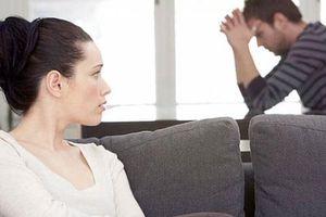 Điêu đứng sau khi được vợ tha thứ chuyện ngoại tình