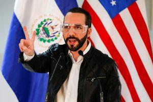 Học ông Trump, Tổng thống El Salvador dùng thuốc trị sốt rét ngừa COVID-19
