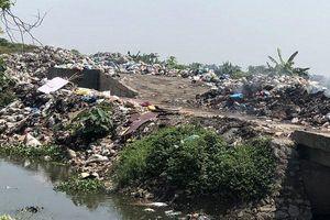 Xử lý rác thải nông thôn tại Hà Nội: Nhanh chóng cải tiến công nghệ
