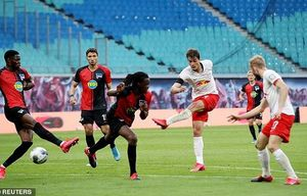 Leipzig bỏ lỡ cơ hội chiếm vị trí thứ 2, Man United đón tin cực vui về lực lượng