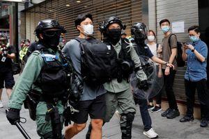 Cảnh sát Hong Kong bắn đạn hơi cay, bắt giữ hàng trăm người biểu tình