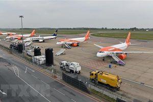 Các hãng hàng không châu Âu 'gặp khó' do đại dịch COVID-19