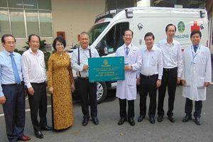 BV Nhân dân 115 nhận xe cứu thương chống dịch COVID-19