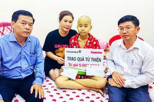 Bạn đọc ủng hộ hơn 60 triệu đồng cho em Nguyễn Ngọc Thanh Huyền