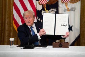 Tổng thống Trump ký đạo luật kiểm soát mạng xã hội