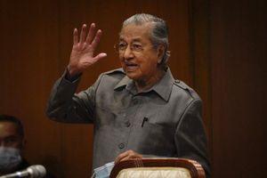 Ông Mahathir khẳng định vẫn nắm quyền kiểm soát đảng dù bị sa thải