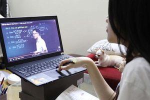Thi khảo sát trực tuyến ở Hà Nội: Một số học sinh phản ánh gặp sự cố