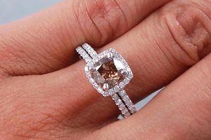 Vì sao kim cương nâu từng rất rẻ lại có giá hàng chục nghìn USD?